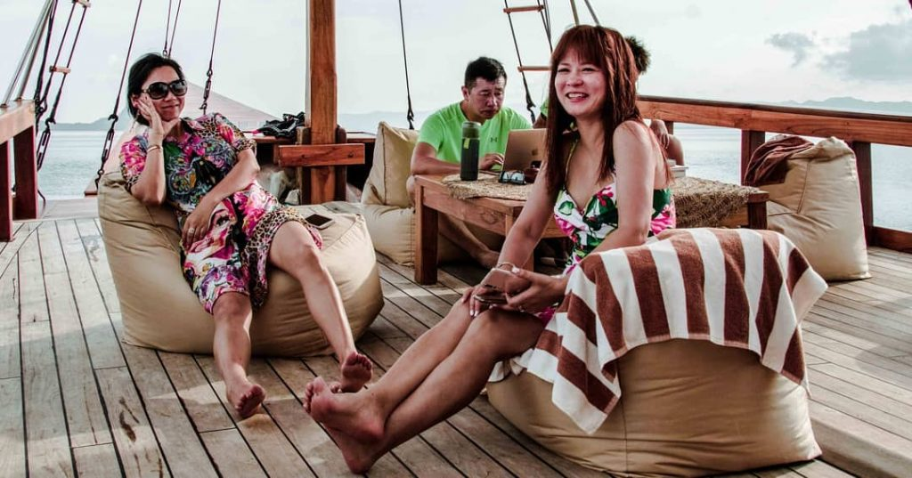 How to Get Best Deal on Komodo Liveaboard Budget