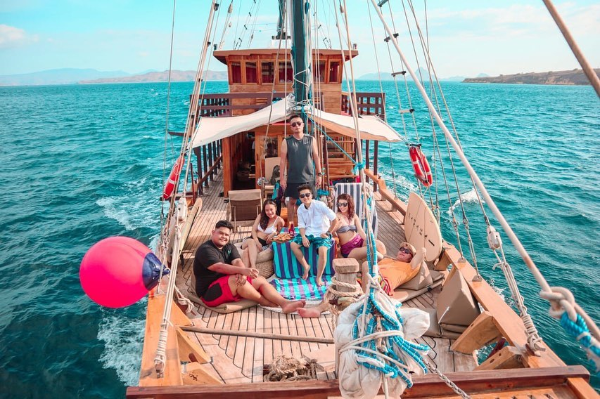 Ultimate Guide to Be Good Guest in Komodo Diving Liveaboard