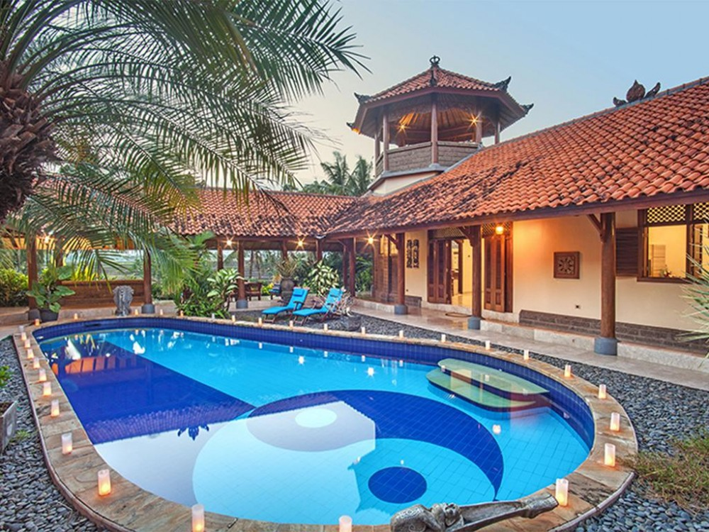 a luxury bali villas with a remarkable swimming pool