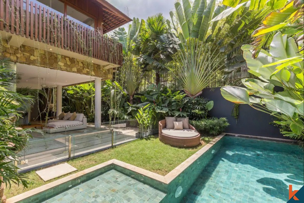 Use Native Plants and Flowers for the Seminyak Villas